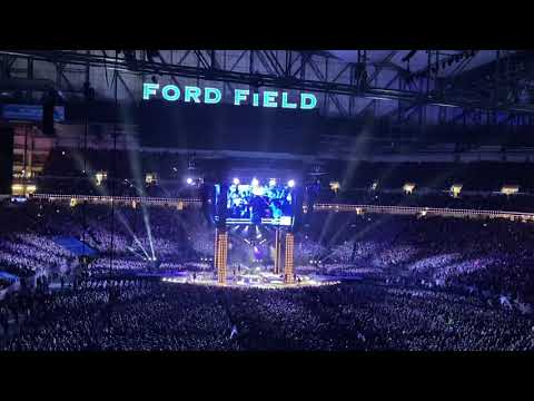 Garth Brooks - Friends In Low Places - Live At Ford Field, Detroit - 2/22/20