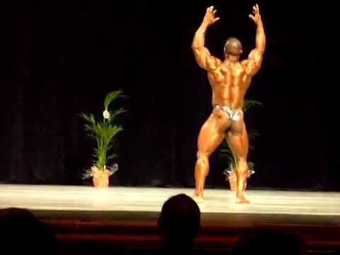 David Muritala IDOWU Posing Routine