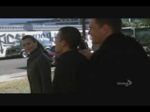 NCIS - Ziva and Tony confronts gang members