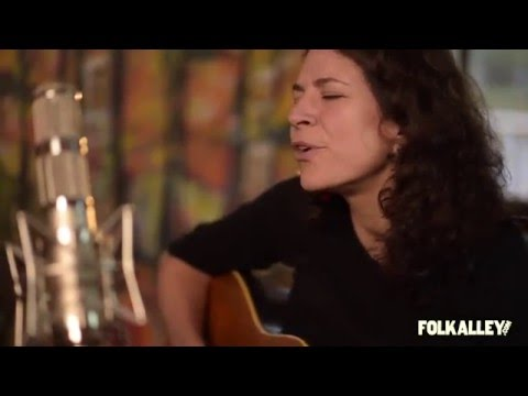 Folk Alley Sessions at 30A: Jeffrey Foucault and Kris Delmhorst -