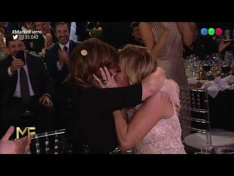 Carla Peterson besó a Nancy Dupláay antes del discurso verde