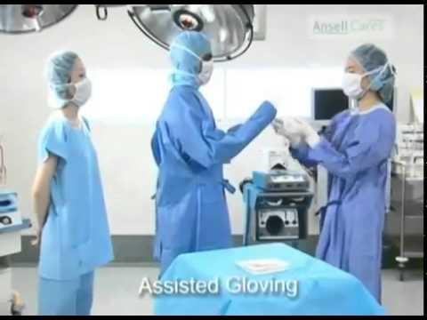 Как правильно надевать медицинский халат на хирурга и стерильные перчатки