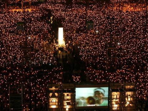 Memory of Tiananmen burns brightly in Hong Kong, 2009