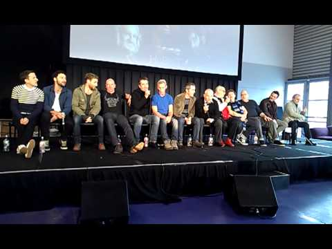 The Hobbit Cast sing the