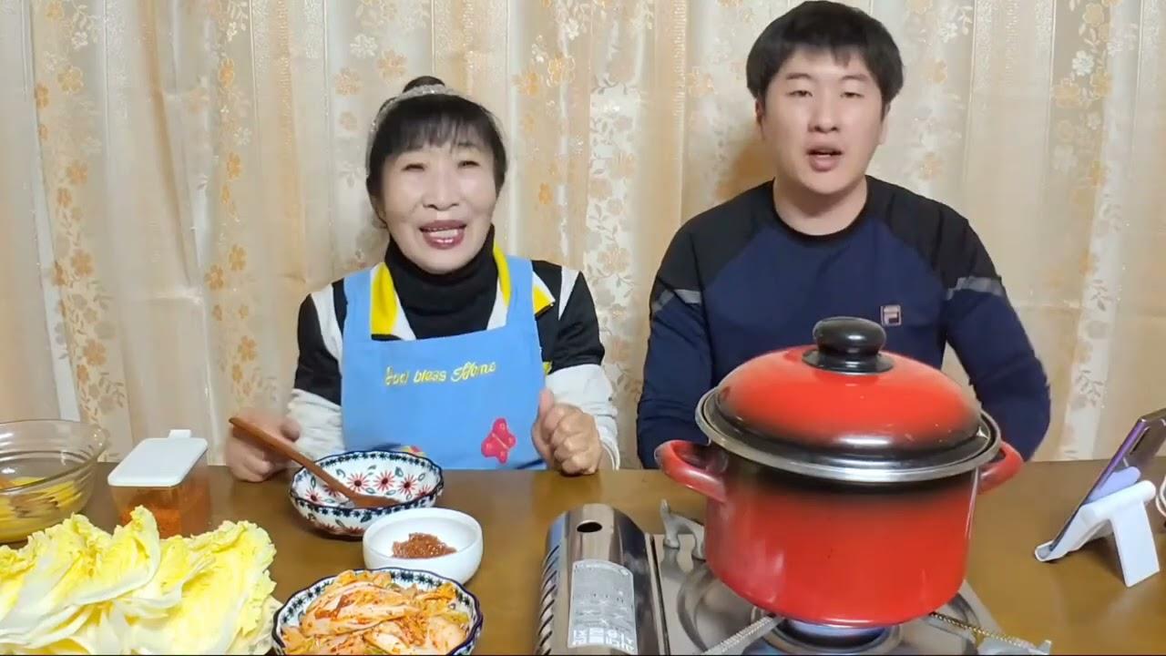 먹방mukbang 된장찌개,배추겉절이,소시지먹방 Doenjang jjigae & FRESH KIMCHI & Sausage (eating show)