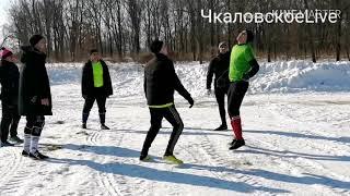 Мини-футбол на снегу.
