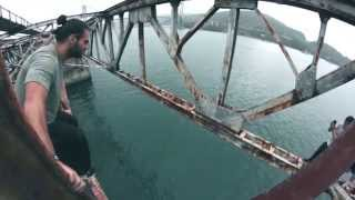 Samurai Bridge Jump