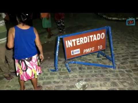 Homem entra em Buraco na rua da Mangueria e da trabalho pra sair