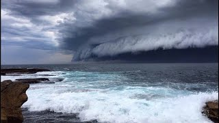 Sydney Storm - Watch bondi beach cloud tsunami roll into Sydney in Australia
