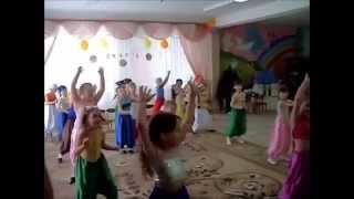 Дети танцуют для мам wmv(СЕКРЕТЫ домашнего уюта раскрываются ЗДЕСЬ: http://bit.ly/1thYswQ СМОТРИ! СМОТРИ! Дети! Рождение ребенка - счастливы..., 2014-10-05T16:12:47.000Z)