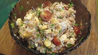 Салат с тунцом, бананами и помидорами черри. Рецепт как приготовить. // Олег Карп