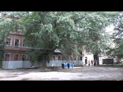 В центре города люди живут без водоснабжения