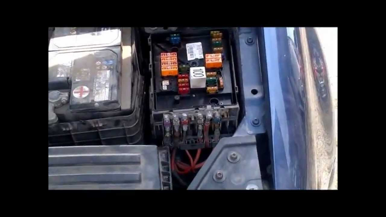 2006 jetta 12v socket not working pt 2 youtube rh youtube com 2006 vw jetta 2.5 fuse box 2006 vw jetta tdi fuse box location