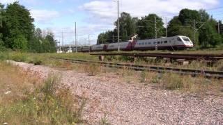 Sm3 Pendolinot S7 ja S8 kohtaavat Mytäjäisissä.Sm3 Pendolino S7 and S8 meeting Lahti Mytäjäinen