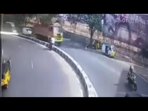 Traffic Accident || Two youth were dead in road accident at Tadbund in Secunderabad