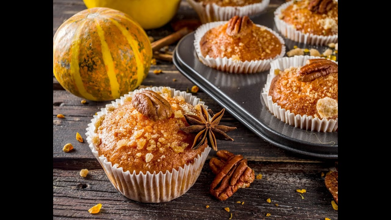 Maple Glazed Pumpkin Muffins + Crunchy Crumble