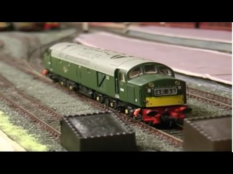 OO  gauge loft-layout railway