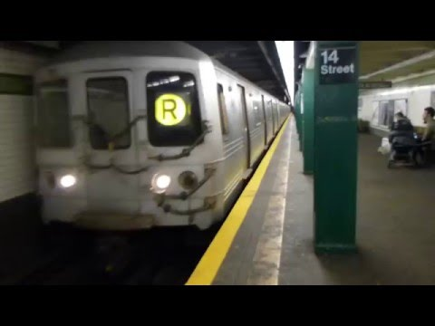 IND 6th Ave Line: R46 R Train at 14th St-6th Ave (Weekend)