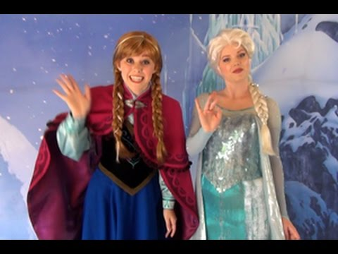 Anna and Elsa Meet in Greet in California Adventure (Frozen Fun) 1080p 60fps