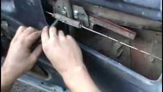 видео Снятие и установка бокового стекла передней двери автомобиль ваз 2107