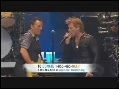 Bruce Springsteen e Jon Bon Jovi - Born to Run / 12.12.12 Sandy Relief Concert