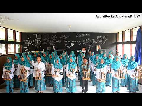 Bambu Harmoni - Game of Thrones Angklung Version (SMPN 1 Batujajar)