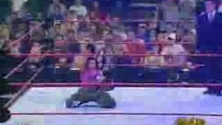 Lita Entrance Raw 27/12/2004