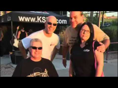Mark & NeanderPaul have fun at the Van Halen show