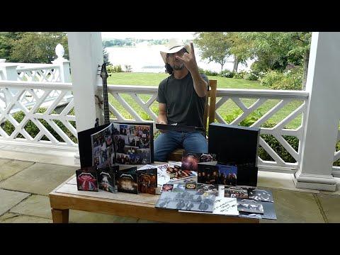 Metallica: The Black Album (Remastered Deluxe Box Set) Unboxing Video