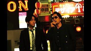 『凶悪』などの白石和彌監督がメガホンを取り、柚月裕子の小説を映画化...