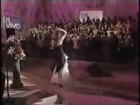 """Maria Sorte en TV show """"En VIVO"""" Mexican programma 1997 year"""