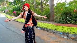 Красная Шапочка выросла и забрела в Индию! НЕОБЪЯСНИМО,но факт !