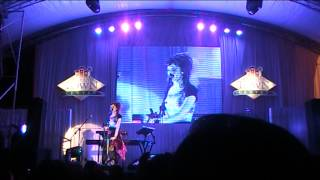 [08.18.13] FANCAM Zelda Medley, Skyrim Main Theme - Lindsey Stirling Live in Manila