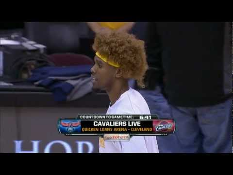 Anderson Varejao Wig Night in Cleveland!