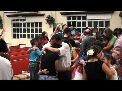 CONFERENCISTA SERGIO VAQUERA ORANDO POR LAS FAMILIAS YouTube