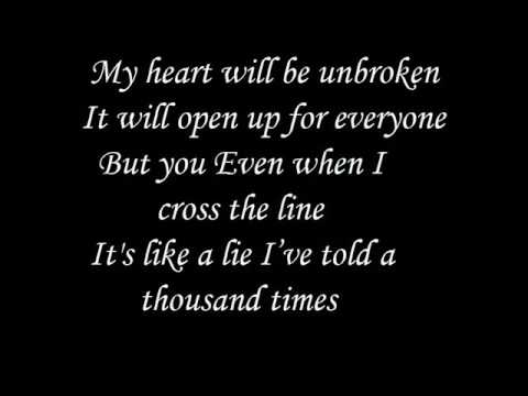 Out From Under - Britney Spears - Lyrics