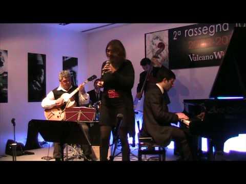 Vulcano Wines - Guido Di Leone Quartetto & Singers - The Christmas Album - Serena Fortebraccio