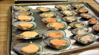 Japanese Baked Mussels With Dynamite Sauce & Panko Crumbs