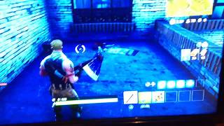 Fortnite Glitch: Can't Switch to Weapons, Can't Build, Can Only use Pickaxe.