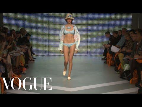 Holly Fulton Ready to Wear Spring 2013 Vogue Fashion Week Runway Show