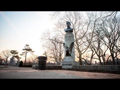 Edward Snowden a eu sa statue (illégale) dans un parc à New York