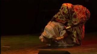 Смотреть клип Matia Damásio Ft. Yola Semedo - Mãe Querida