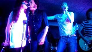 Hot Legs- Necesito un trago (con Alejo Stivel) 1/09/2011