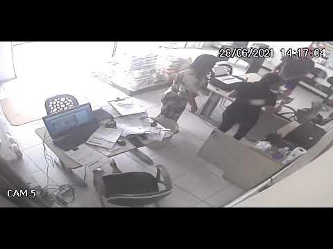 Dupla armada assalta funcionários de distribuidora de alimentos em Guarabira