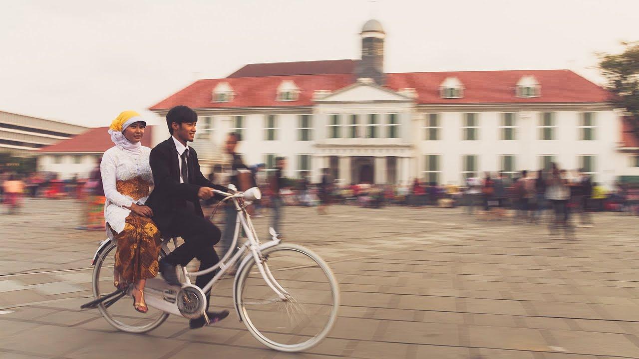 10 Lokasi Foto Prewedding Romantis Di Indonesia