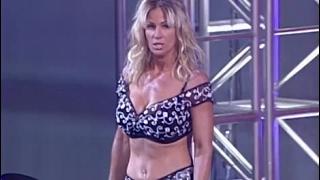 (720pHD): WCW Nitro 05/15/00 - Miss Elizabeth vs. Madusa