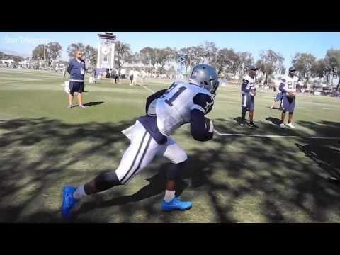 Ezekiel Elliott and Dallas Cowboys running backs practicing