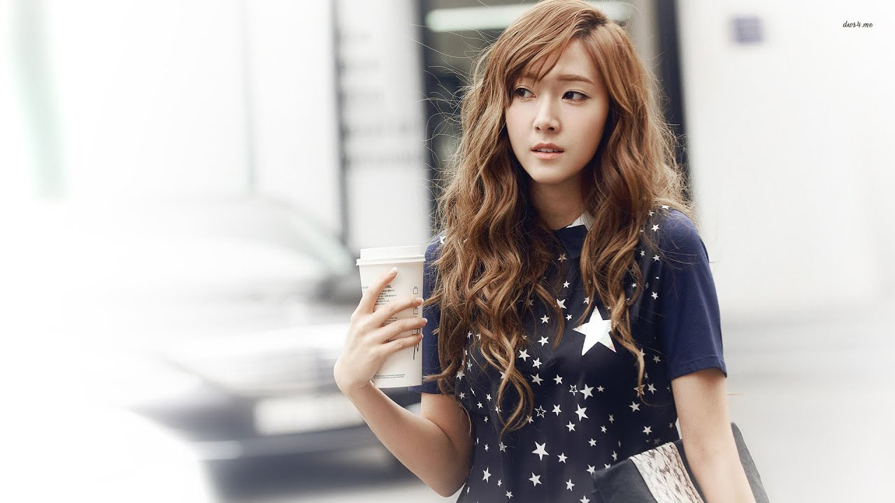 Looking is snsd for jessica