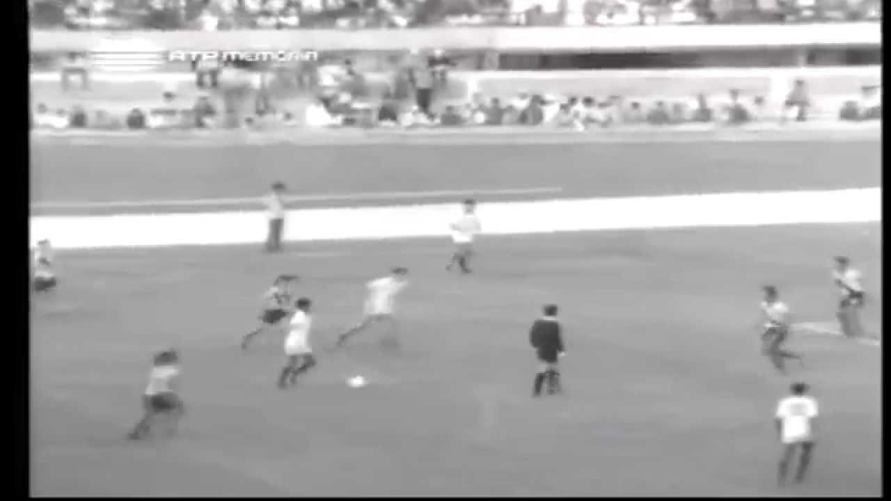 Peres (Sporting) no Portugal - 3 x Equador - 0 da Minicopa 1972 - Fase Grupos