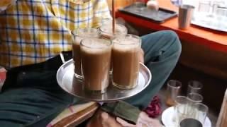 Готовим напиток из Мака и Корицы. Уличная еда Японии